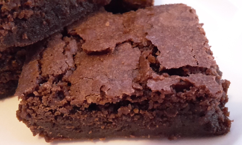 Chewy dark chocolate fudge brownie